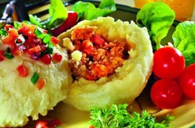 Пасхальный стол 2014: вкусные картофельные кнедли с мясом (рецепт)