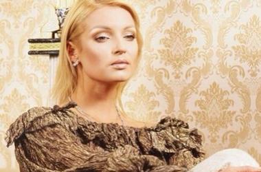 Анастасию Волочкову хотят убить? Автомобиль балерины обстреляли (фото)
