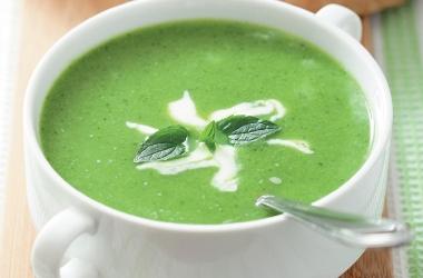 Суп-пюре из молодой крапивы и щавеля