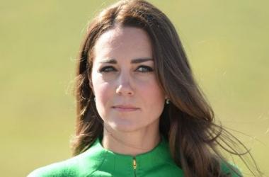 Модный провал: Кейт Миддлтон не угадала с цветом наряда (фото)