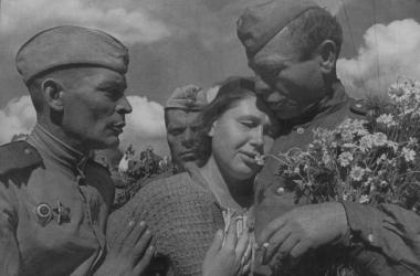 День победы 2015: 10 лучших военных песен к 9 мая слушать онлайн (видео)