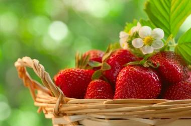 Как похудеть быстро и легко: правила клубничной диеты