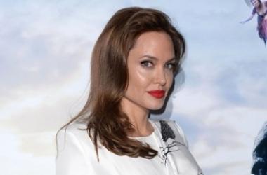 Анджелина Джоли сразила поклонников чувственной сексуальностью (фото)