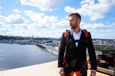 Дмитрий Шепелев начал философский флеш-моб в соцсетях (фото)