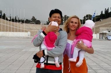 Камалия повезла маленьких дочек в сумасшедшее путешествие (фото)