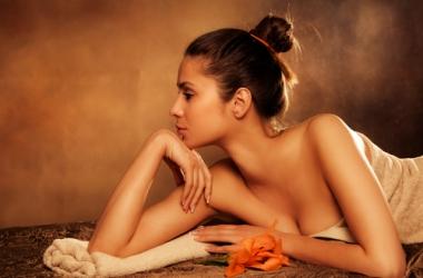 Чем дезодоранты опасны для женской груди