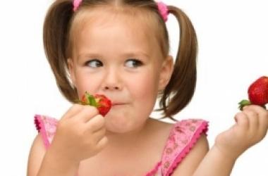 Как выглядит безопасная для здоровья клубника: 5 критериев
