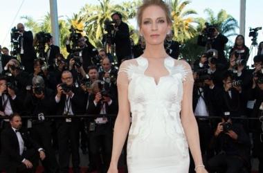 Стиль звезды: Ума Турман в потрясающем платье-цапле (фото)