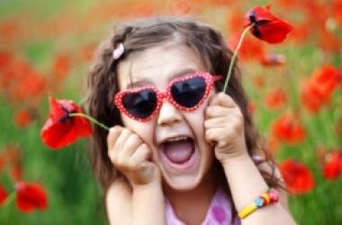 Как выбрать солнцезащитные очки для ребенка