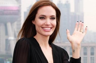 Анджелина Джоли и Брэд Питт тайком стали мужем и женой (фото)