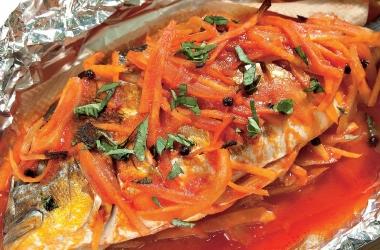 Мастер-класс от шеф-повара: Дорада с имбирным маринадом в фольге. Рецепт (фото)