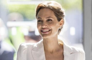 Анджелина Джоли поразила экстремальной худобой (фото)
