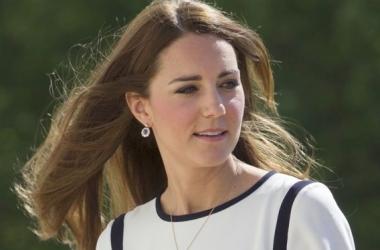 Королевское непослушание: Кейт Миддлтон в мини (фото)