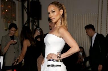 Дженнифер Лопес пришла на прием в гибридном платье (фото)