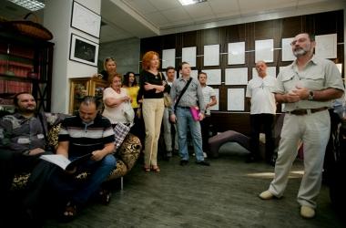Жизнь во всех ее проявлениях: первая авторская выставка графики психолога Алексея Шнеера