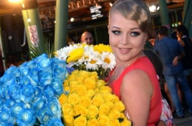Новая волна 2014: Виктория Петрик обольщала в платье с декольте (фото)