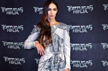 Стиль звезды: Меган Фокс в провокационном мини-платье (фото)