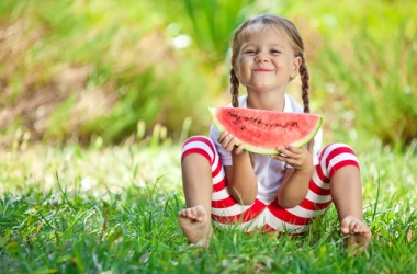 Дети и лето: 20 самых позитивных снимков в непростое время (фото)