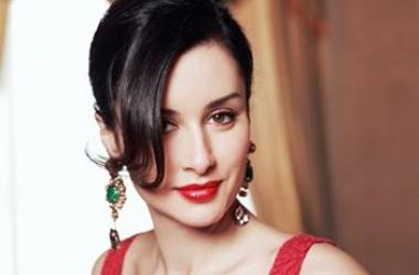 Тина Канделаки без макияжа и фотошопа: так ли красива звезда в обычной жизни?