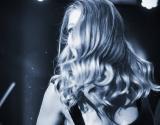 Модная фишка: Тина Кароль выбрала хипстерскую провокацию (фото)