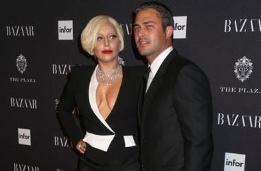 Располневшая Леди Гага публично соблазнила жениха (фото)