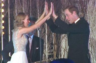Принц Уильям в отсутствие Кейт Миддлтон зажег с Тейлор Свифт
