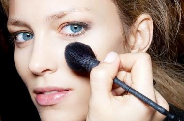 Как краситься, чтобы выглядеть моложе: топ-6 простых советов