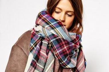 Как модно завязывать шарф: фото с показов