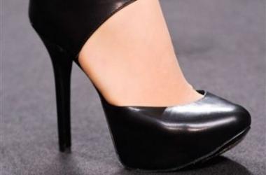 Как обувь влияет на женский оргазм?