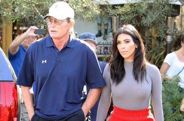 Отец Ким Кардашян решил стать женщиной после развода с женой (фото)