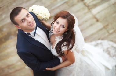 Свадебный танец с сюрпризом: гости не ожидали такого от пары