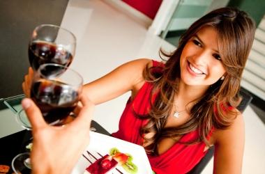 Как удалить пятно с одежды: кофе, вино, майонез