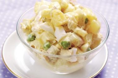 Блюдо для новогоднего стола: диетический салат оливье