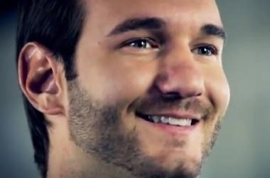 Видео о Нике Вуйчиче вдохновляет: посмотри, чего добился человек без рук и ног! (видео)