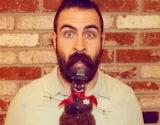 Смешное видео: стильная борода к Новому Году (видео)