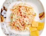 Блюда для новогоднего стола 2015: необычный салат из свежей капусты задобрит Козочку