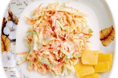 Рецепты из капусты: необычный американский салат из свежей капусты с яблоком и вкусным соусом