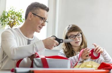 Как сделать новогоднюю открытку своими руками: мастер класс с пошаговой инструкцией