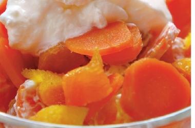 Блюда для новогоднего стола 2015: необычный салат из моркови и кураги задобрит Козочку