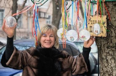 Деревья, на которых растут полезные советы, появились в Киеве