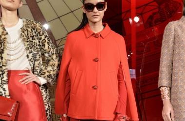 Красное пальто: с чем носить зимой 2015