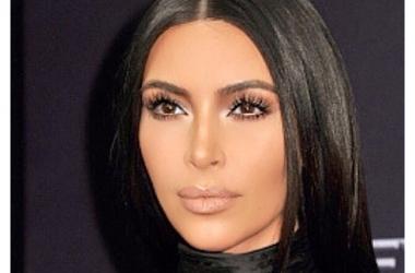 Темные волосы: как правильно подобрать макияж