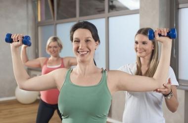 Реальные женщины показали, как заниматься фитнесом, видео