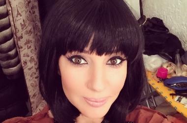 Лера Кудрявцева предпочла строгое черное платье: шикарное фото