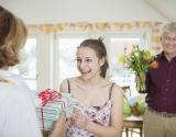 Оригинальные подарки маме своими руками на 8 марта: 7 лучших идей