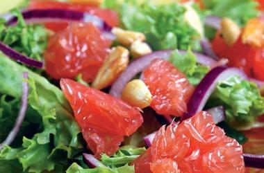 Салат с грейпфрутом на 8 Марта (фото, рецепт)