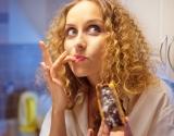 Чем заменить шоколад и сладости: продукты, которые сделают тебя счастливее