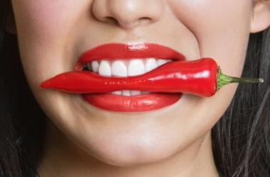 Красная помада: как наносить правильно? Смотри видео