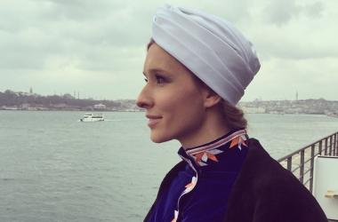 Катя Осадчая без макияжа и фотошопа на ТВ: как выглядит телеведущая в рабочей обстановке