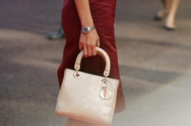 Потрясающее видео о самой элегантной сумочке Диор